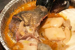 石巻産魚介のスープ・ド・ポワソン、ジャガイモとアイヨリソース添え